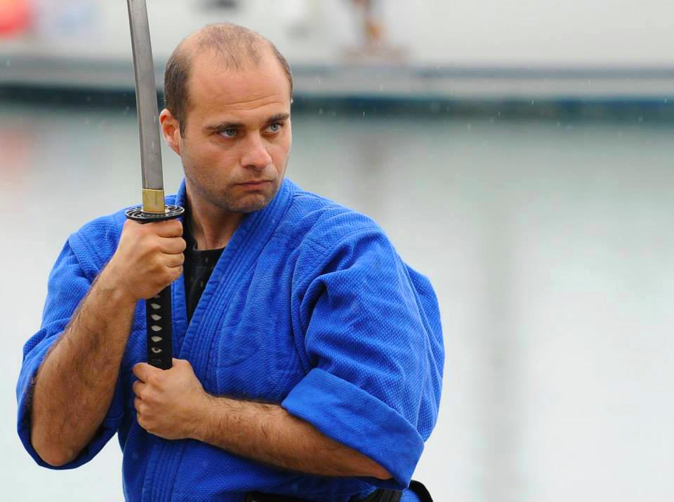 Lectii autoaparare si arte martiale cu Sensei Dan Mancas