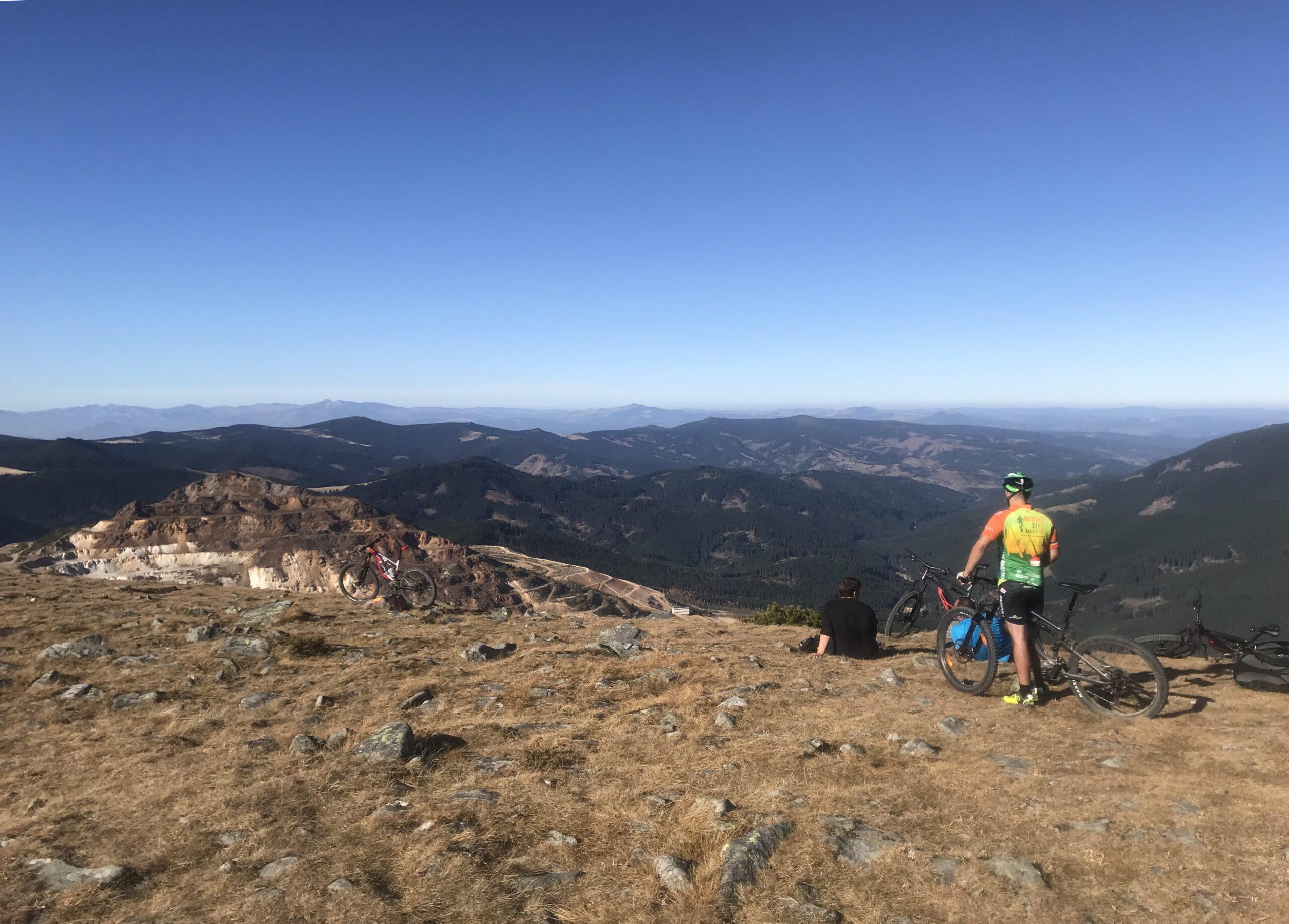 Explorează Munții Călimani pe ebike