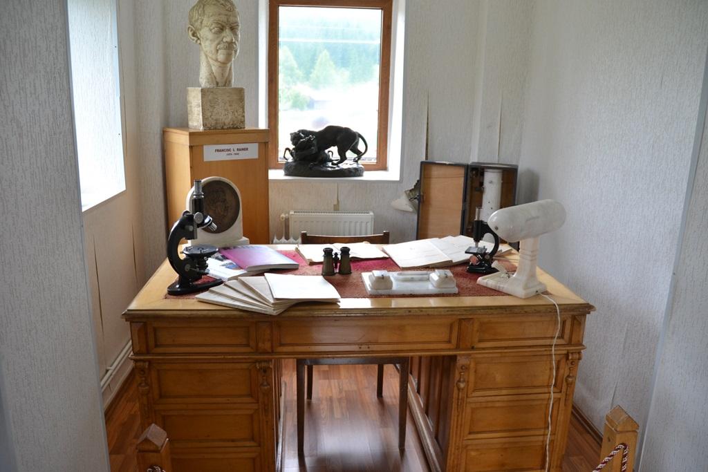 Vizitează Muzeul de Antropologie Francisc I. Rainer