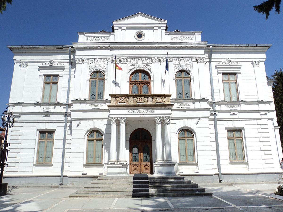 Vizitează Muzeul de Artă din Târgoviște