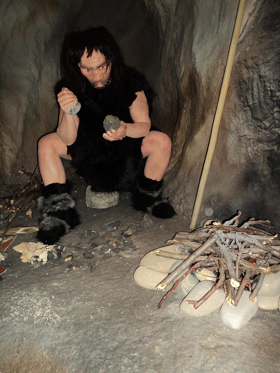 Muzeul Evoluției Omului și Tehnologiei în Paleolitic