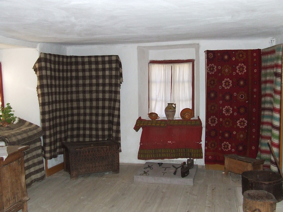"Muzeul Etnografic ""Prof. Dumitru Ulieru"" - Pietroșița"