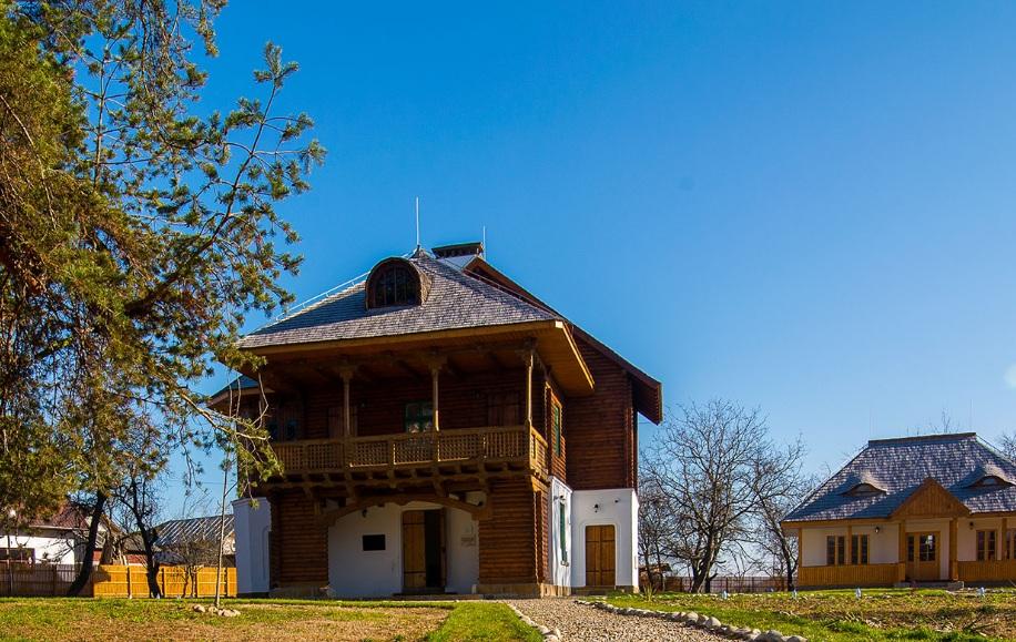 """Casa - Atelier """"Gabriel Popescu"""""""