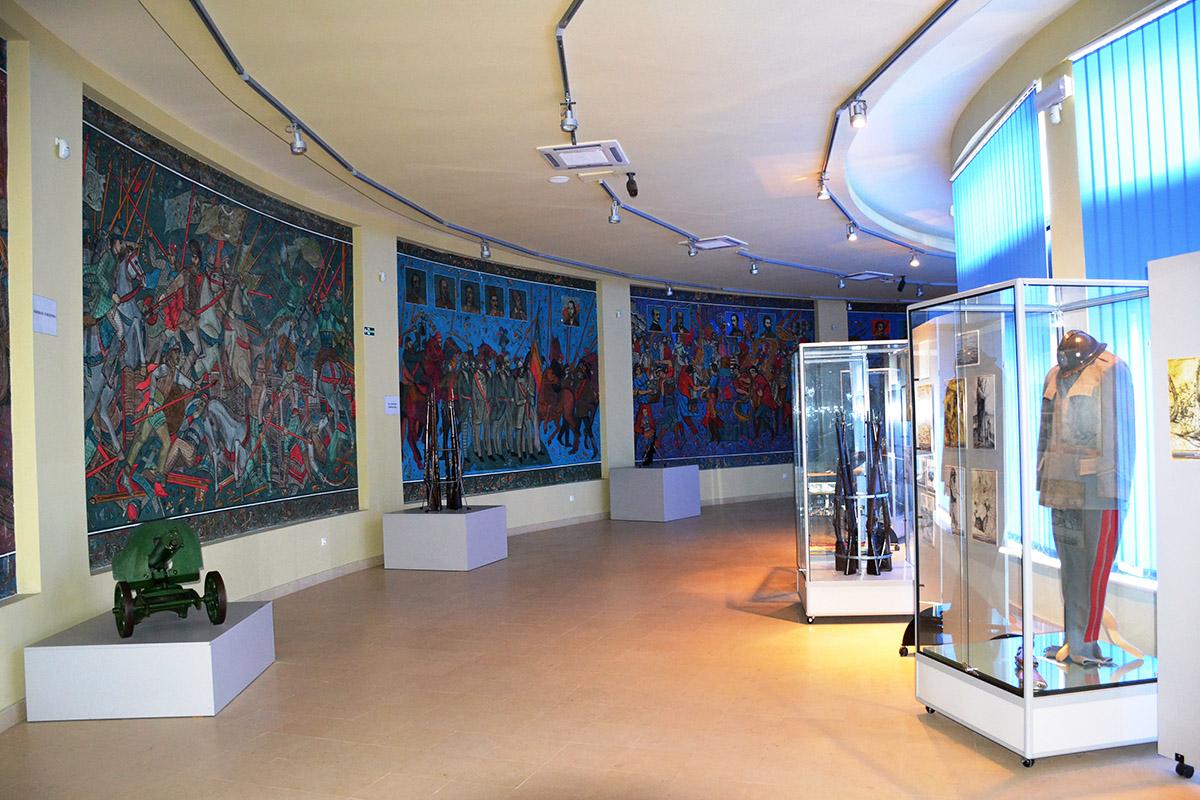Vizitează Mausoleul Eroilor de la Mărășești