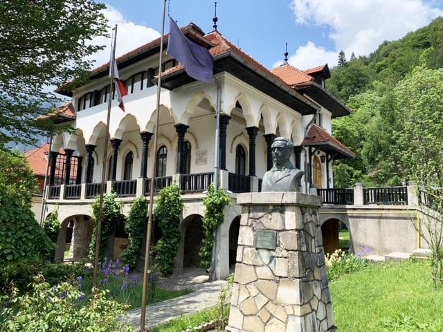 """Muzeul Memorial """"Cezar Petrescu"""" Bușteni"""