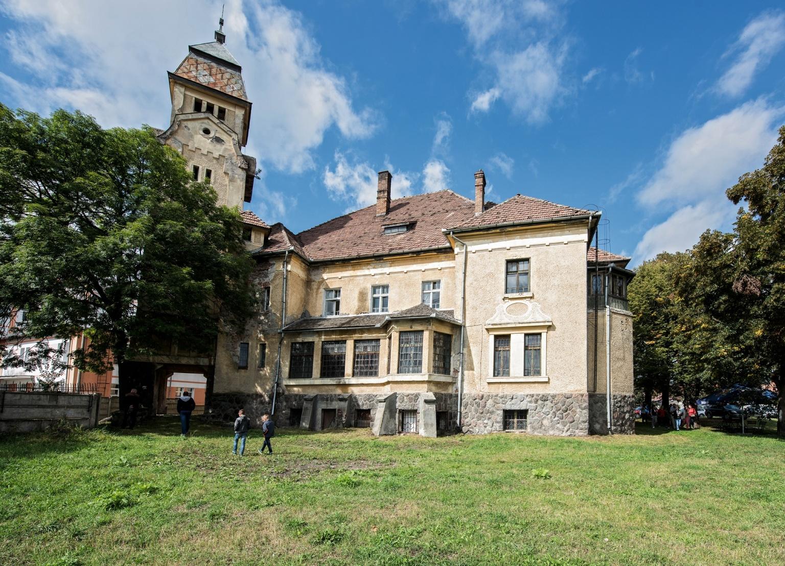 Castelul Urmánczy