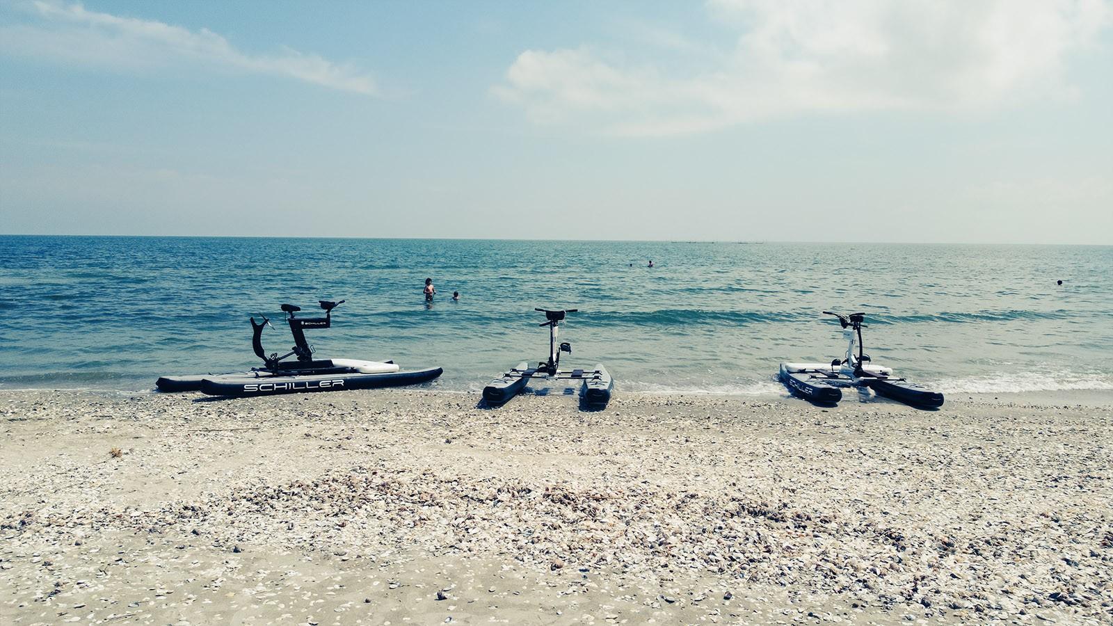 Plimbare bicicleta nautică Marea Neagră
