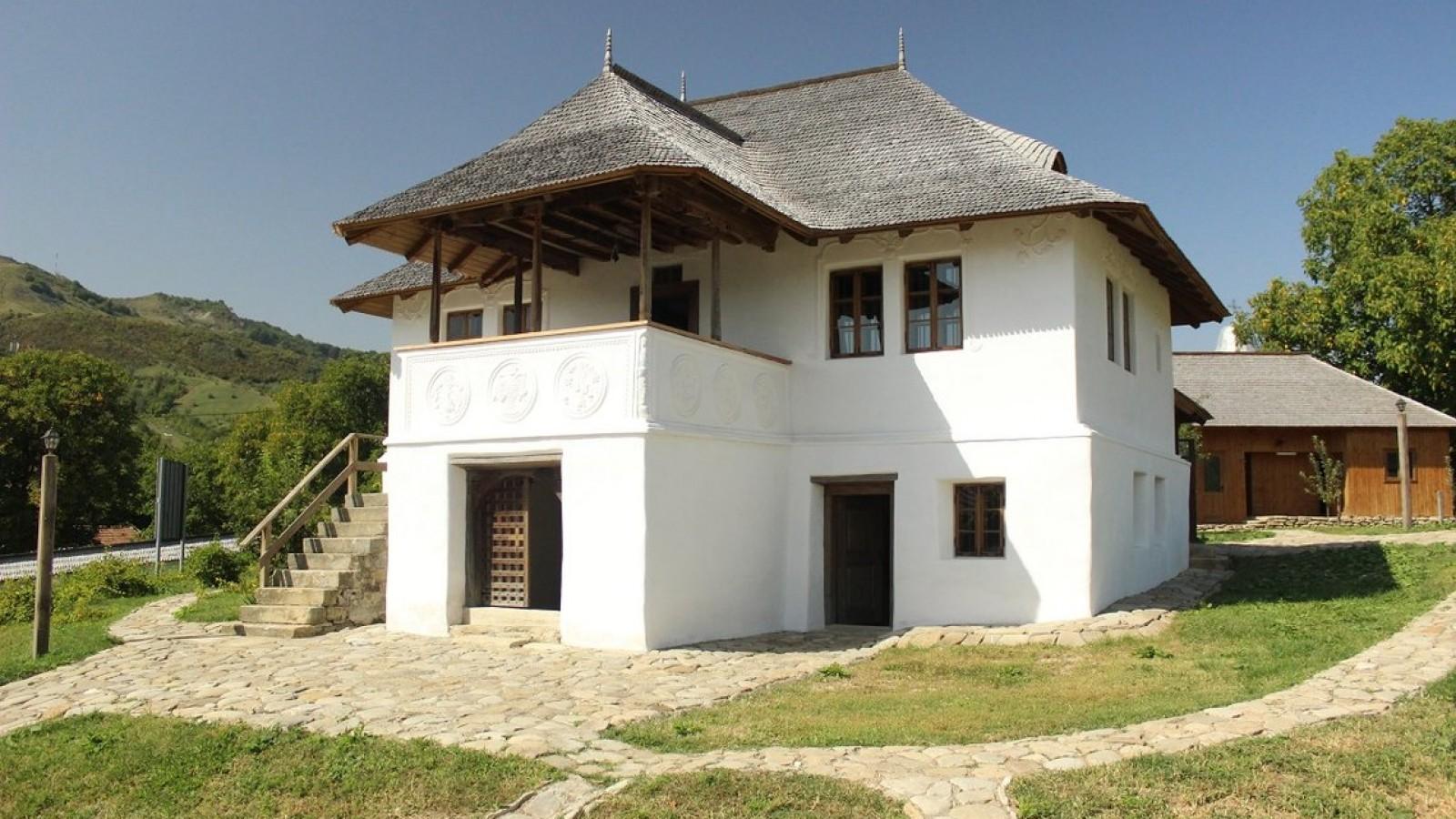 Casa cu blazoane, Buzău