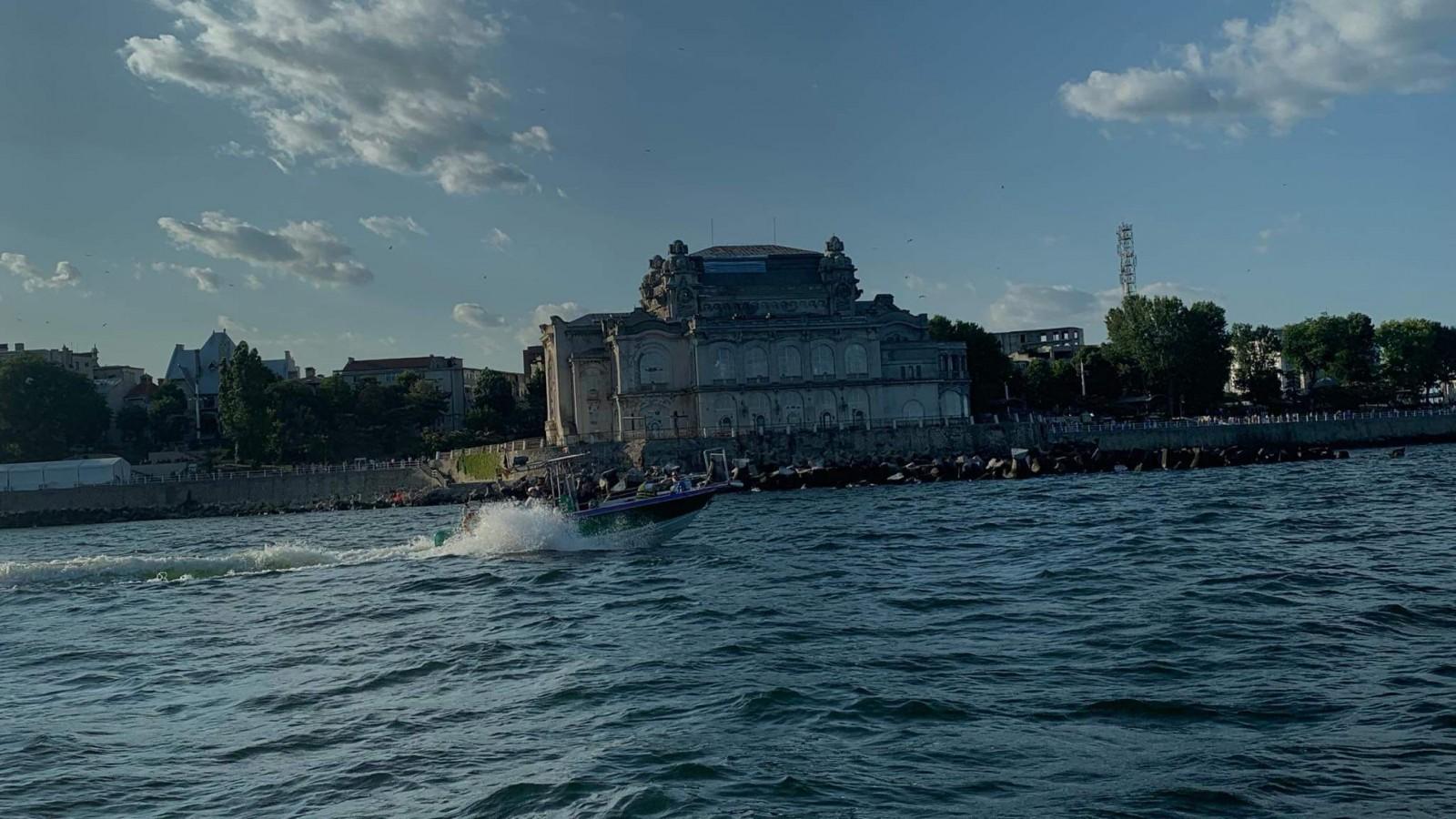 Plimbare spectaculoasă în largul Mării Negre