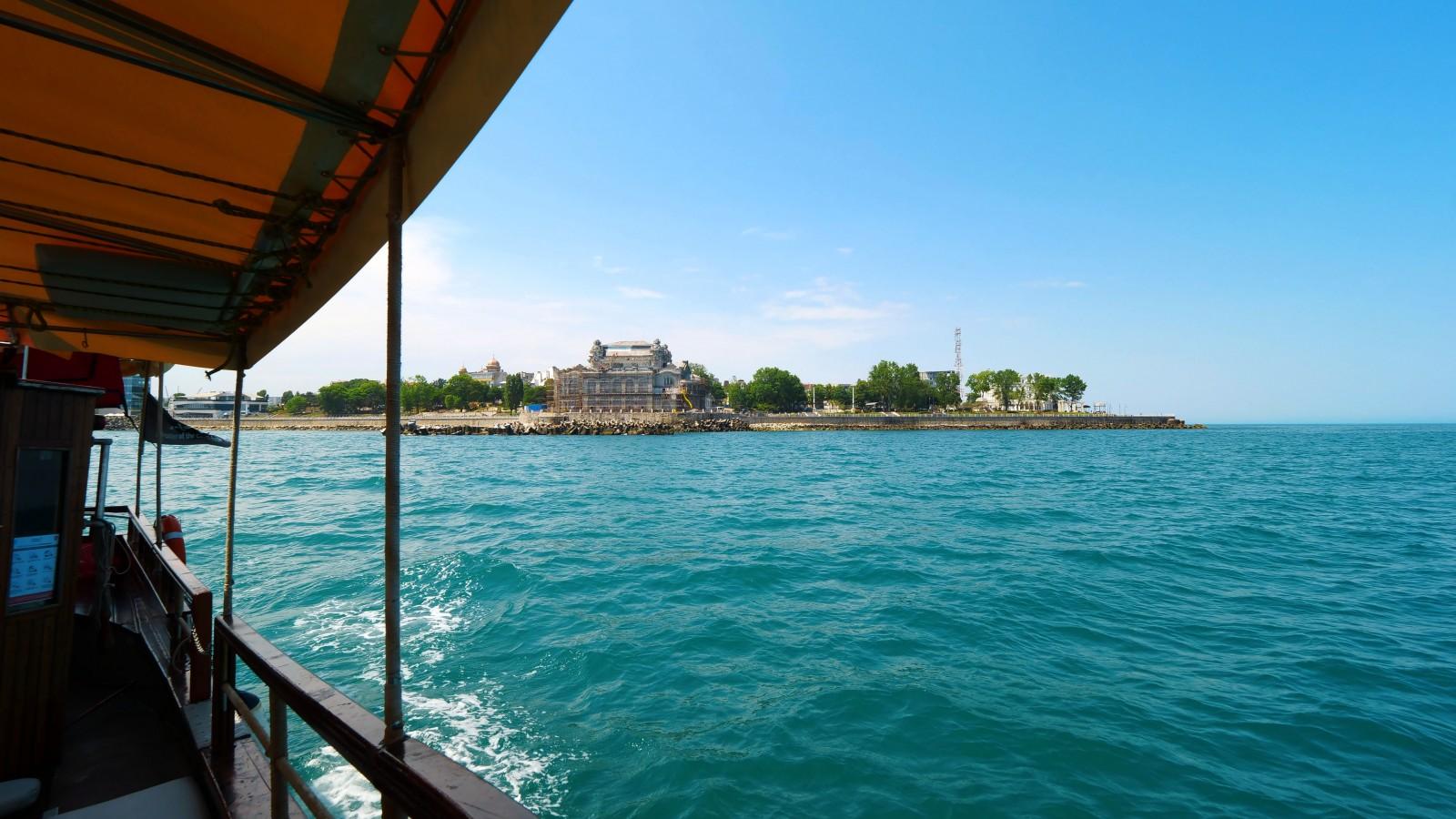 """Plimbări pe mare cu """"Euphoria"""" sau """"Koralia"""" în Constanța"""
