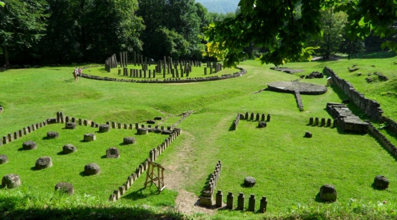 Excursie de o zi la ruinele vechilor capitale ale Daciei