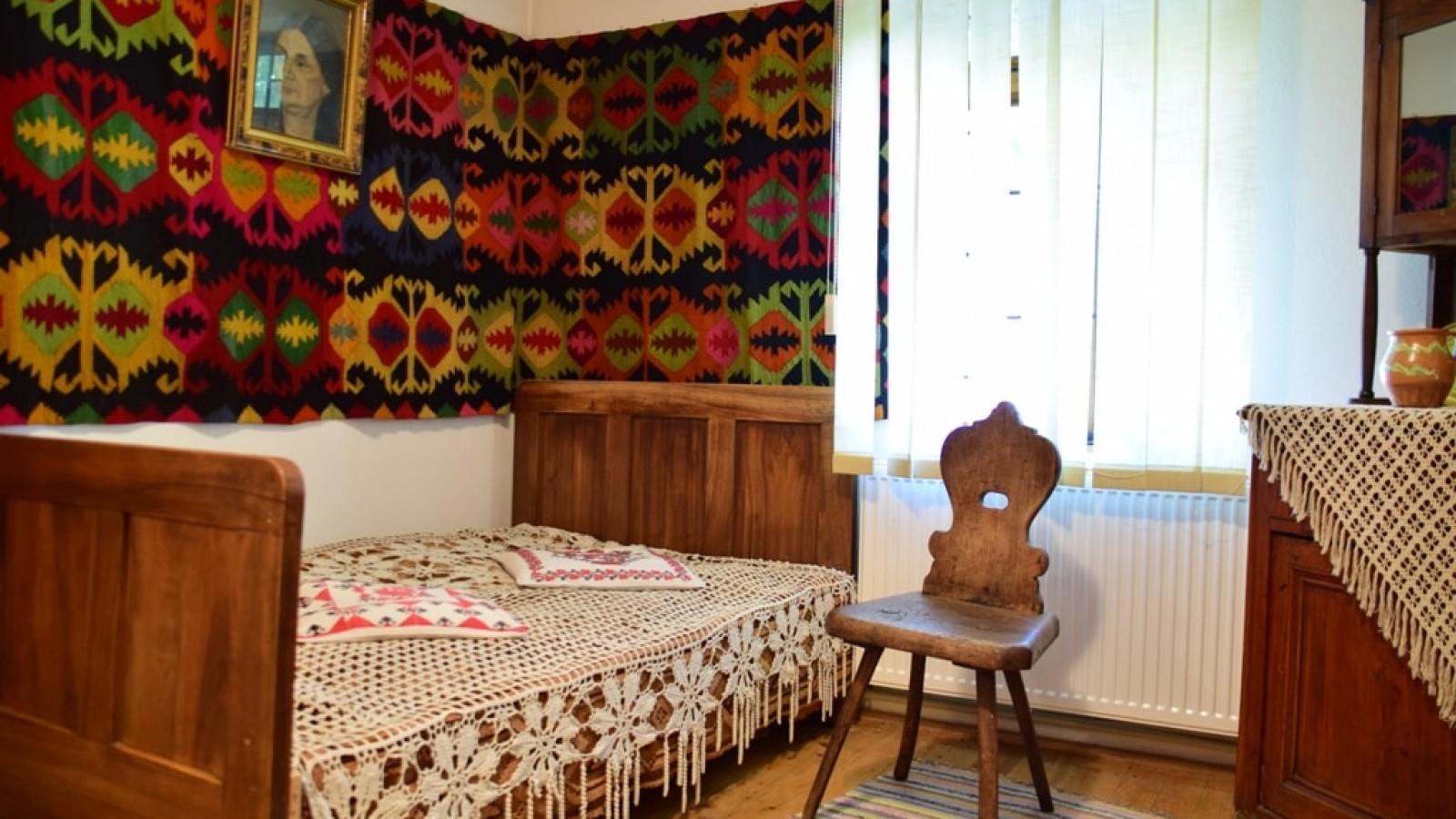 Casa Memoriala Vasile Voiculescu de la Parscov