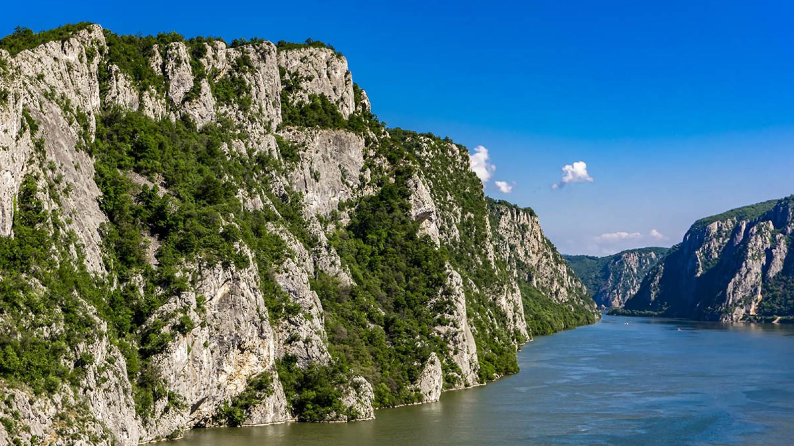 Plimbare cu banana pe Dunăre