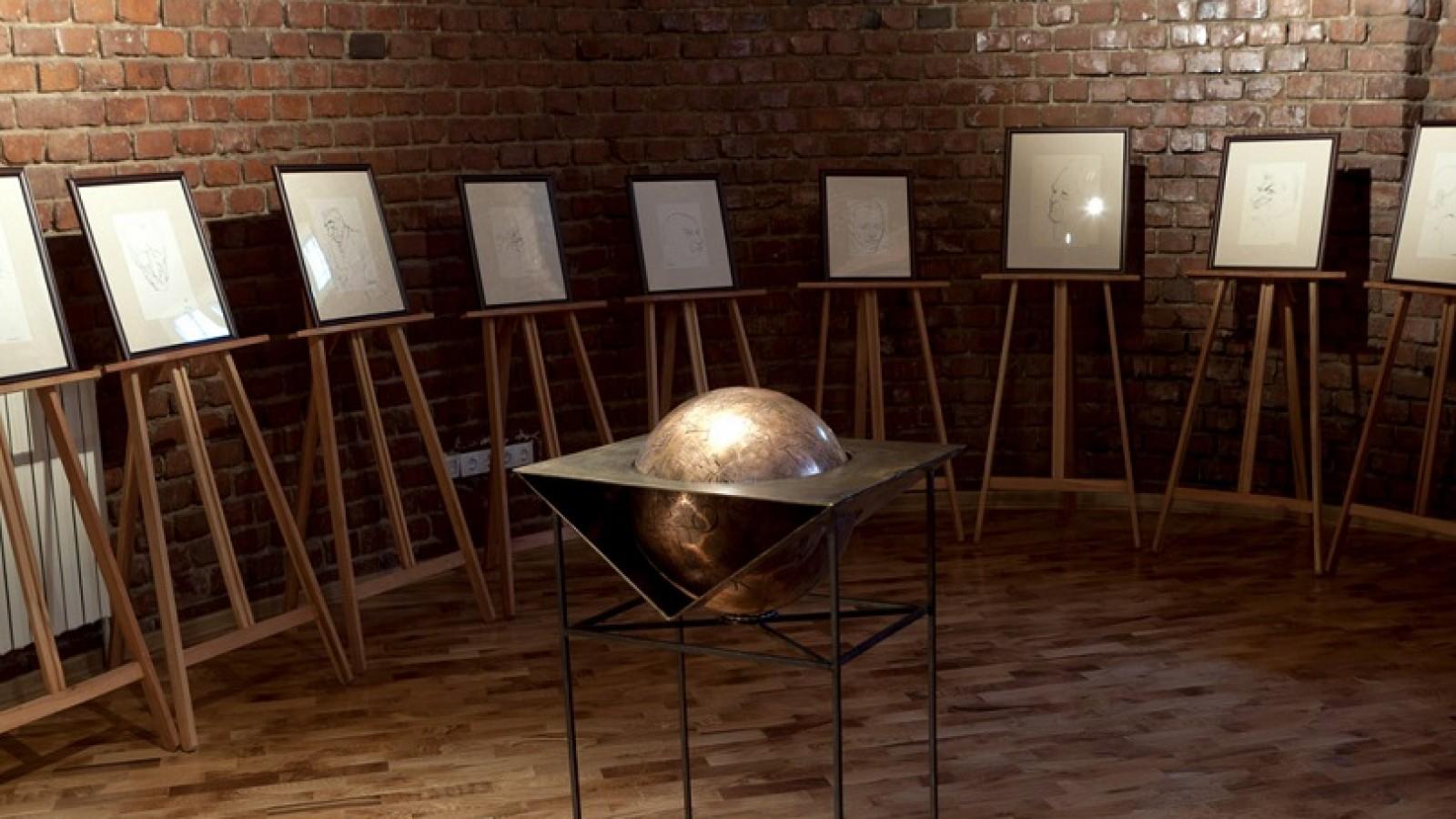 Expoziția de bază MNLR Crețulescu